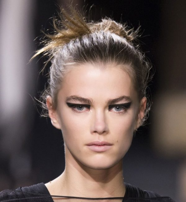 The-Graphic-Liner-Makeup-Spring-Summer-Fashion-600x651