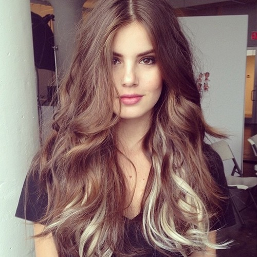 Long-Blonde-Highlighted-Layered-Hair-Color-Collection-2017-2018.jpg