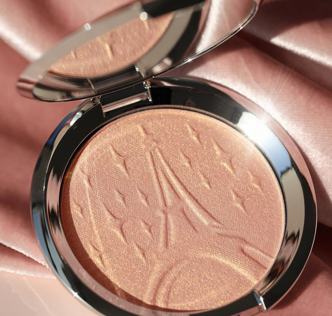 becca_parisian_lights_highlighter_sananas_2018