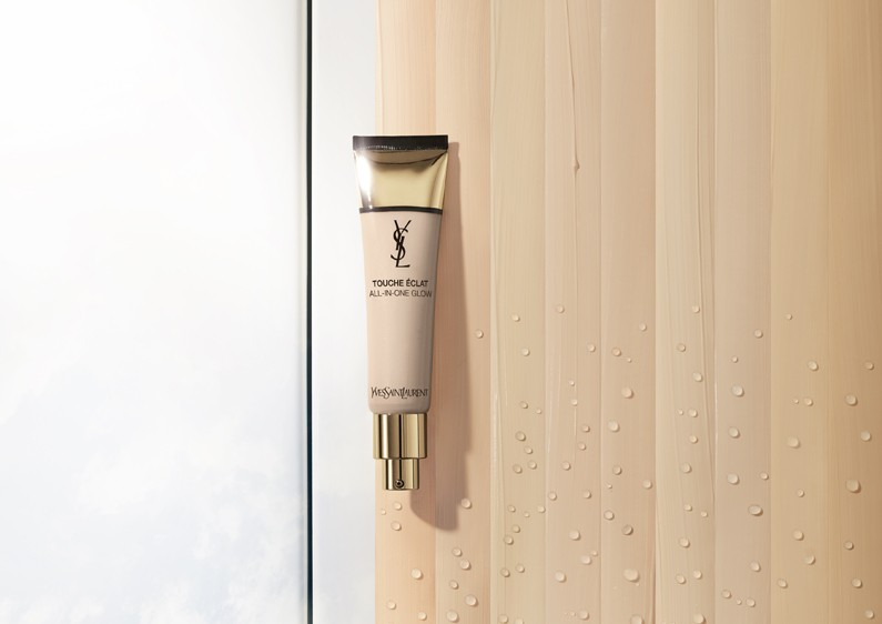 YSL Touche Eclat All-In-One Glow Foundation