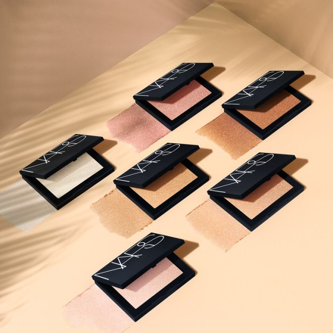 Nars%20Highlighting%20Powder%20Dip.jpg