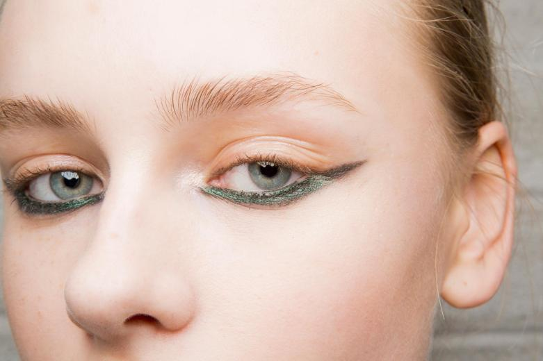 l039eye-liner-colore-tendance-automne-hiver-2018-2019-photo-9.jpg